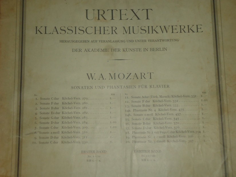 urtext Mozart sonatas