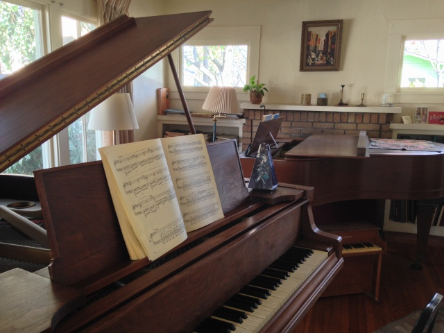 Two grand pianos Loeb