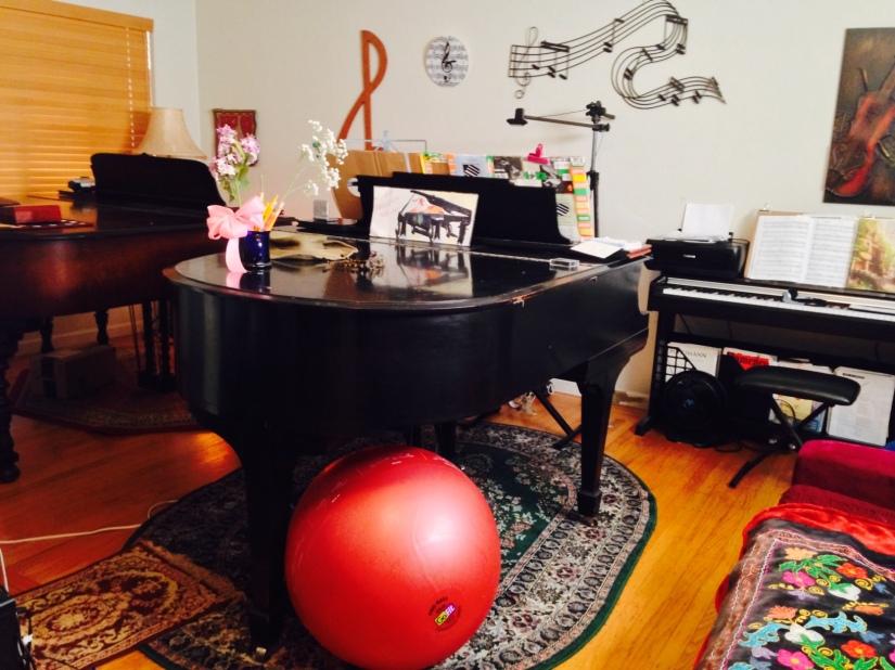 piano room, spacier